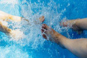 Chemia basenowa – jak dbać o wodę w przydomowym basenie?